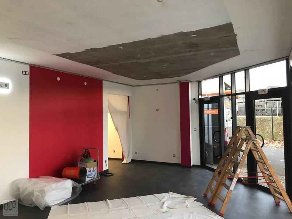 Plafond tendu laqu gris ombelle esth tic center d co for Faux plafond laque